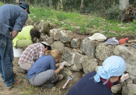 Applying our knowledge in historic mortars, by re-pointing the stones of the Ottoman aqueduct.